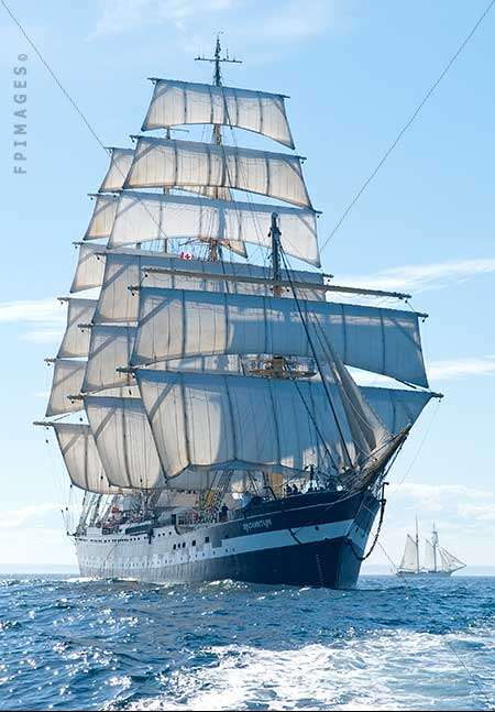 Barque Kruzenstern with broken fore mast in full sail