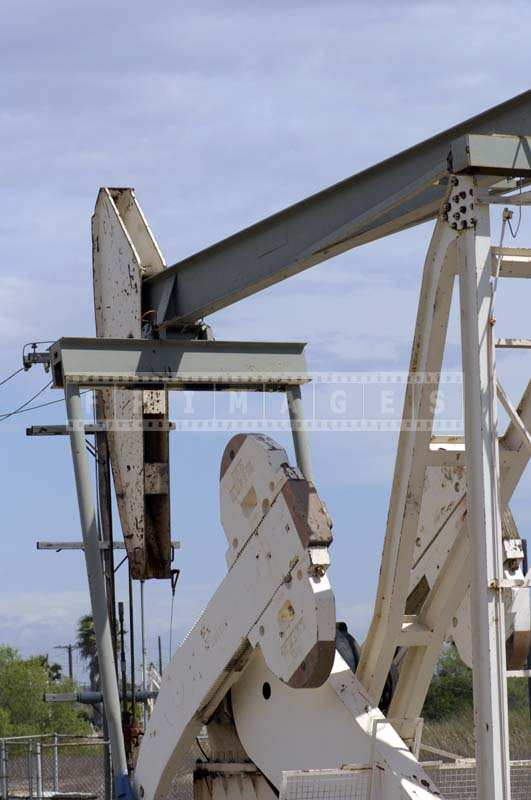 Oil production pumpjack