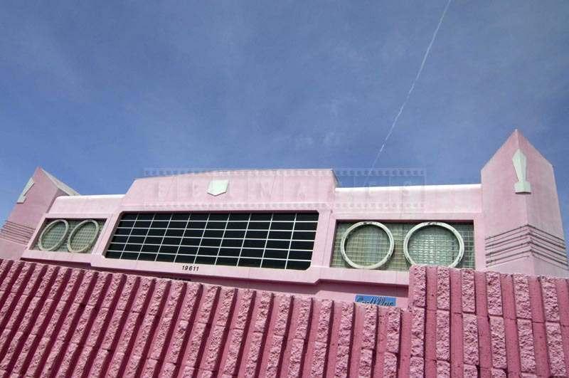 Pink Cadillac close-up