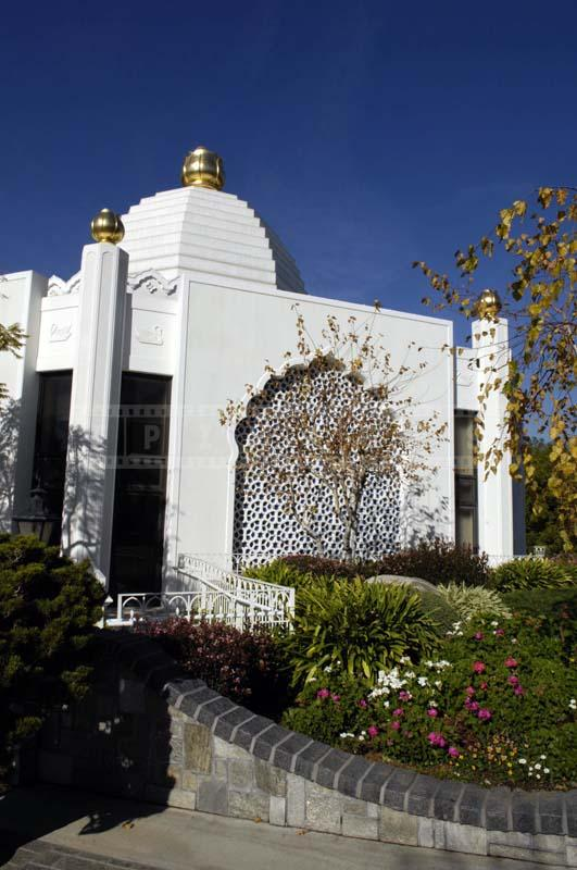 Photo of the Lake Shrine Temple, Pacific Palisades