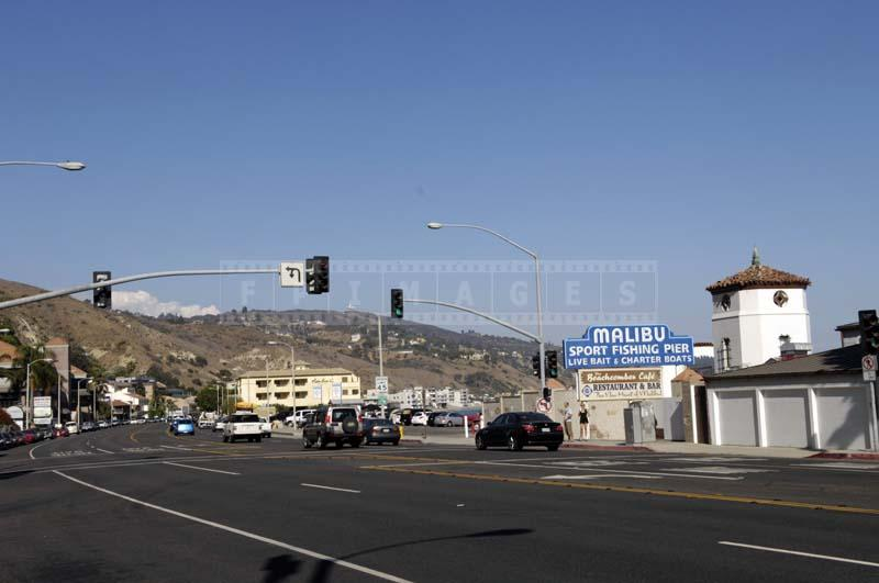 Image of the highway entrance to Malibu Pier