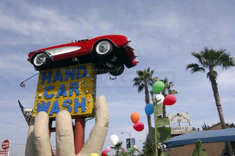 Giant Sculpture at Hand Car Wash at Studio City
