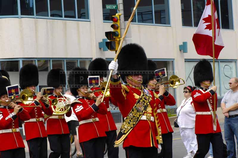 Bearskin band in red unifroms