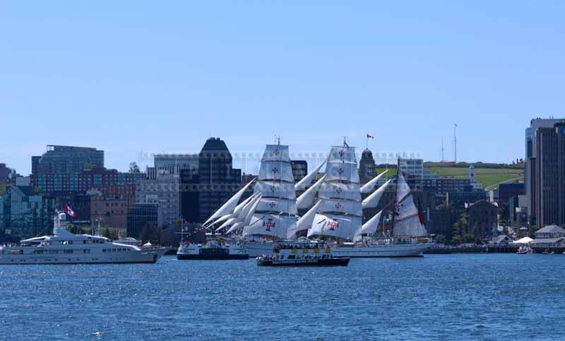Barque Sagres II under full sails, Parade of Sail