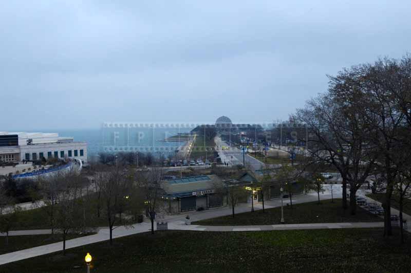 Downtown Chicago lake waterfront with aquarium and planetarium