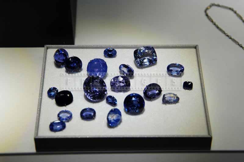 Loose gem stones - blue sapphires