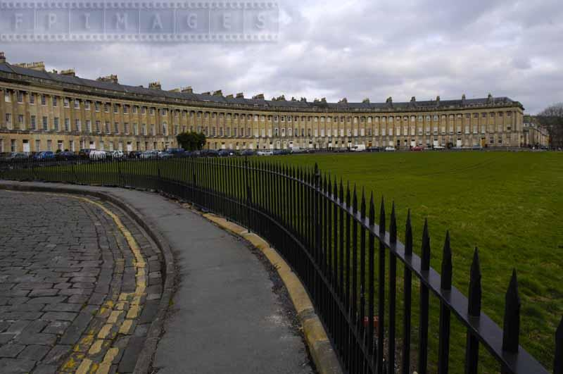 Curved fence and road around the Royal Crescent