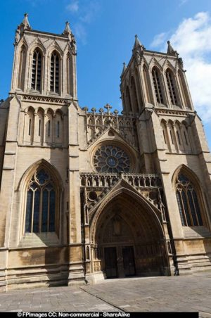 Towers and entrance to the cathedral, free image