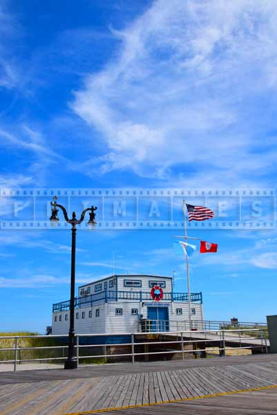 Blue skies above Atlantic City beach patrol station