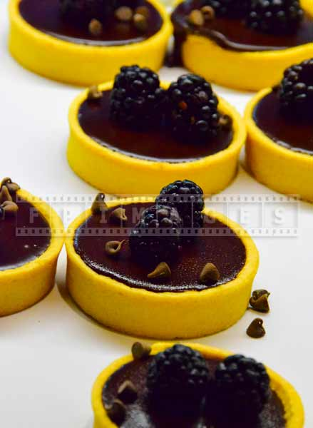 caesars atlantic city buffet food pictures dark chocolate blackberry tarts