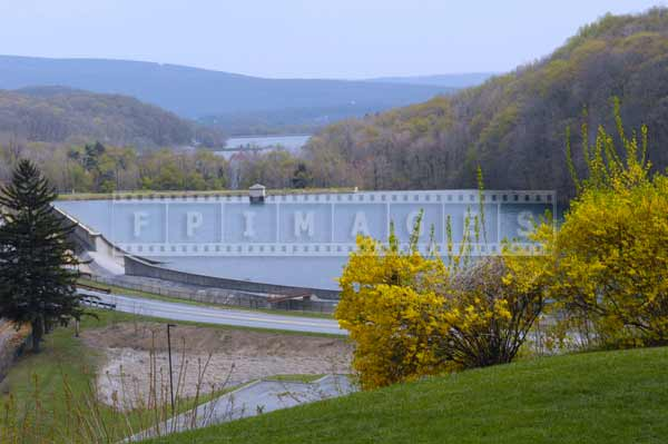 horseshoe curve spring landscapes, pennsylvania attractions
