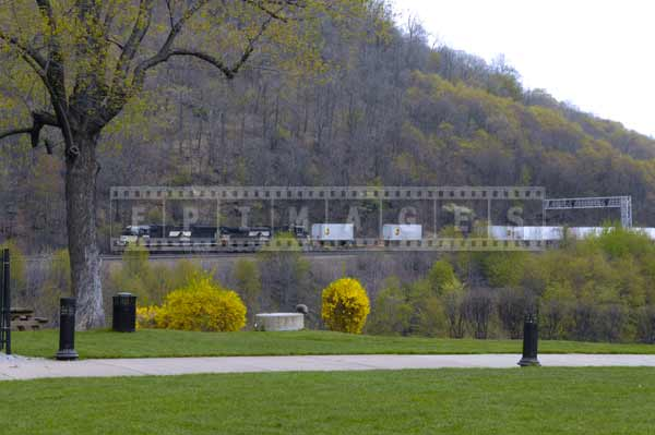 Trains with intermodal cargo are using Horseshoe curve every day