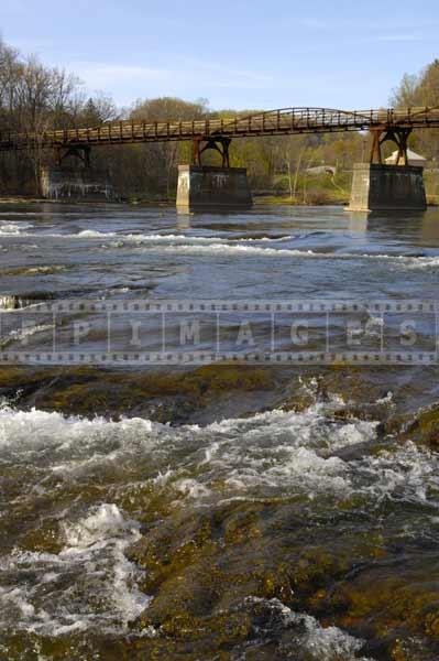 ohiopyle pennsylvania great outdoors - hiking the bridge across the river