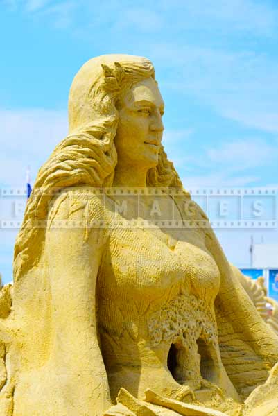 DO AC elaborate sand sculpting work