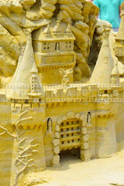 Game of thrones sand castle made by sand artist Rich Varano, USA