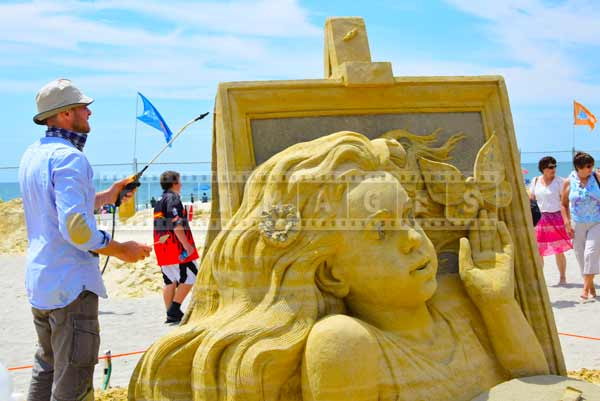 Atlantic city, New Jersey beach sand sculpture competition and Russian sand artist Pavel Mylnikov