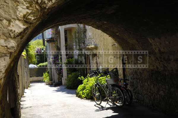 south france european cityscapes - medieval architecture pictures of buildings