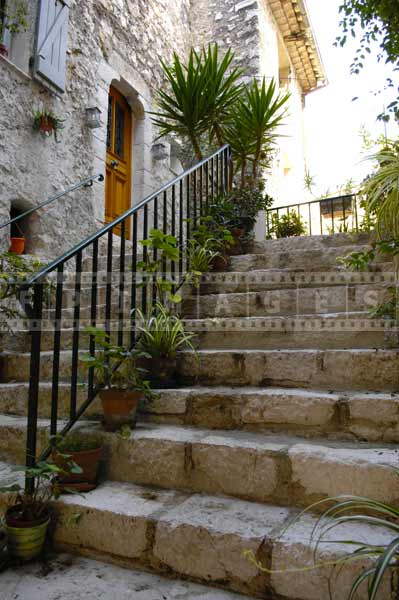 south france european cityscapes - simple but beautiful stairs pictures of buildings