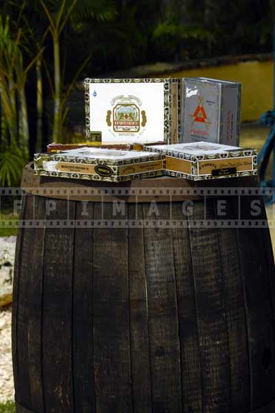 made in dominican republic caribbean gift ideas - Arturo Fuente cigars