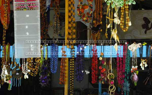 Handmade jewelry gift ideas at Dominican market, colorful travel images