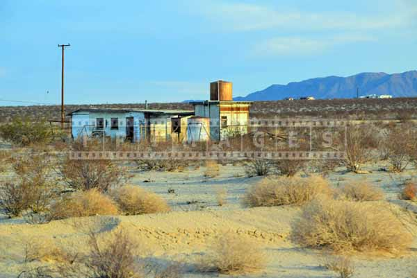 Houses are spread out in the desert, landscape photography