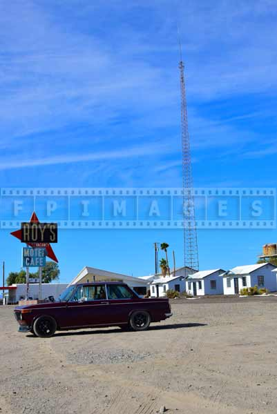 Amboy ghost town matches BMW 2002 character, old car photos