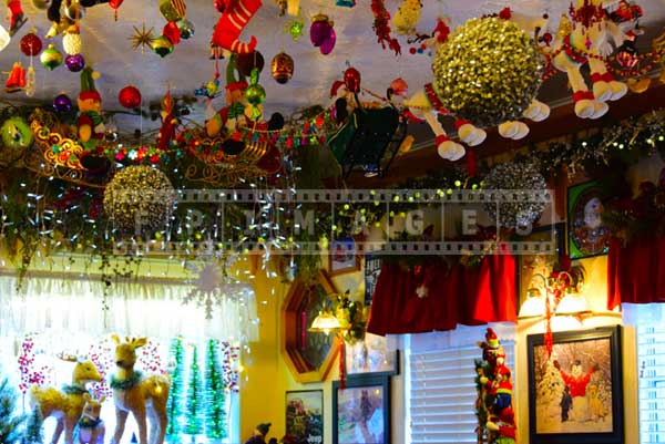 Ceiling Christmas decorations at Evergreen cafe, restaurant reviews