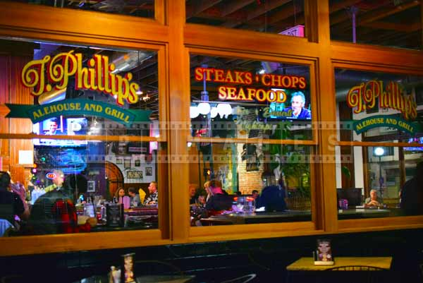 steak and seafod restaurant, Monrovia night images