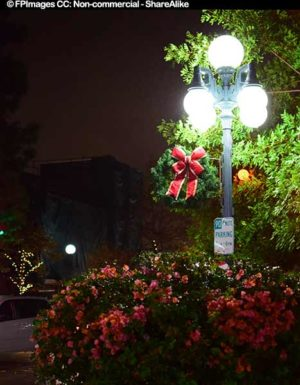holiday decorations in Mnorovia, night images