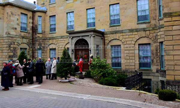 New Year's Day Levee line up to enter government house