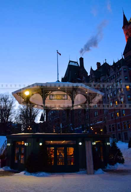 chateau-frontenac-old-quebec-winter-romantic-getaways (12)