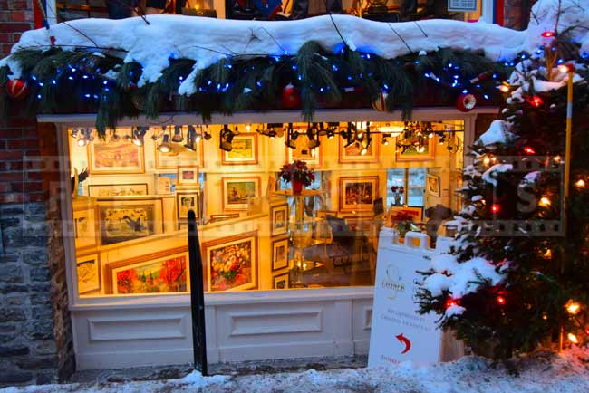 Romantic picture of an art store in Old Quebec