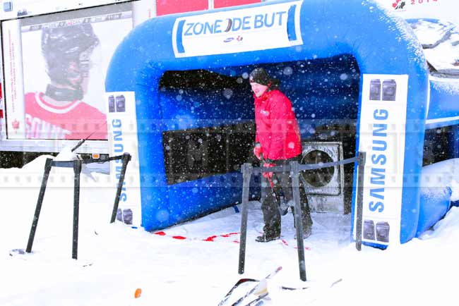 Hockey tent - try to shoot the puck