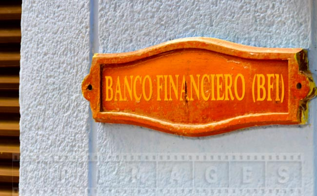 Banco Financiero (BFI) currency exchange, bank sign