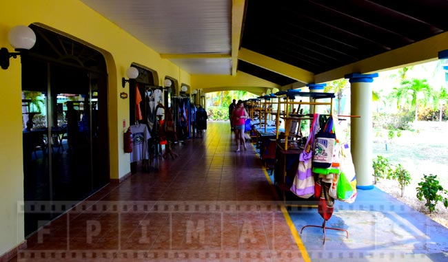 Shopping area with traditional Caribbean gifts and unique Cuban gifts