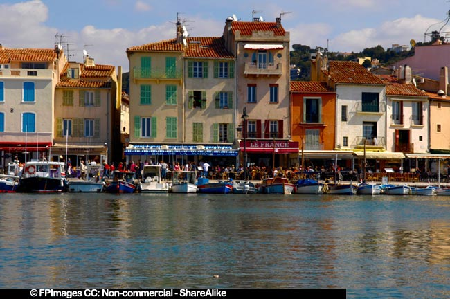 Cassis waterfront houses and boats