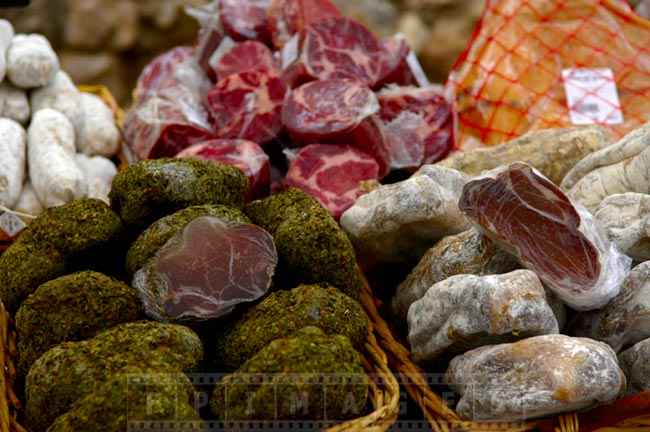 Various meats, taste the Provence flavours