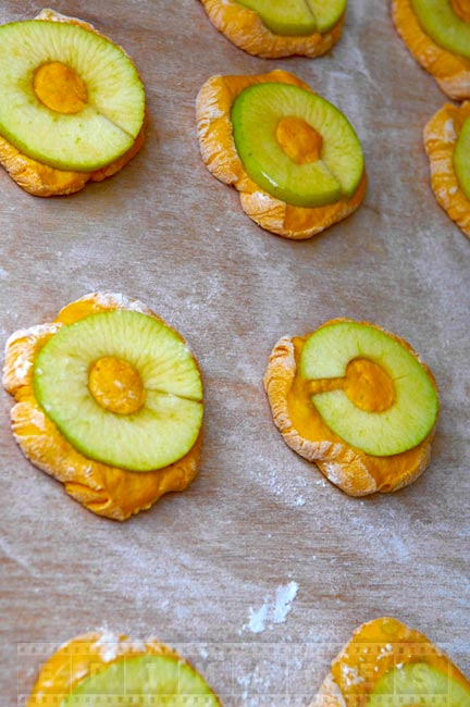 Apple pastries before cooking