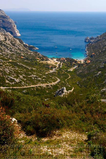 Hiking trails leading to Sormiou cove