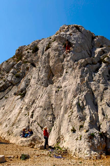 People climbing rock, Sormiou calanque