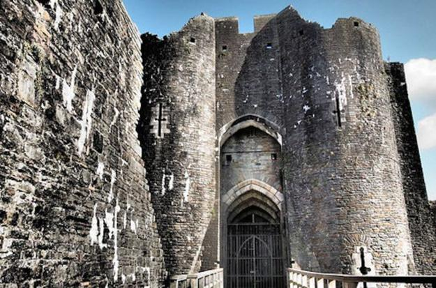medieval castles in wales, travel images of historic places