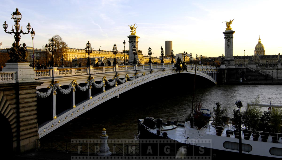 Eye-catching lovely Alexander III bridge