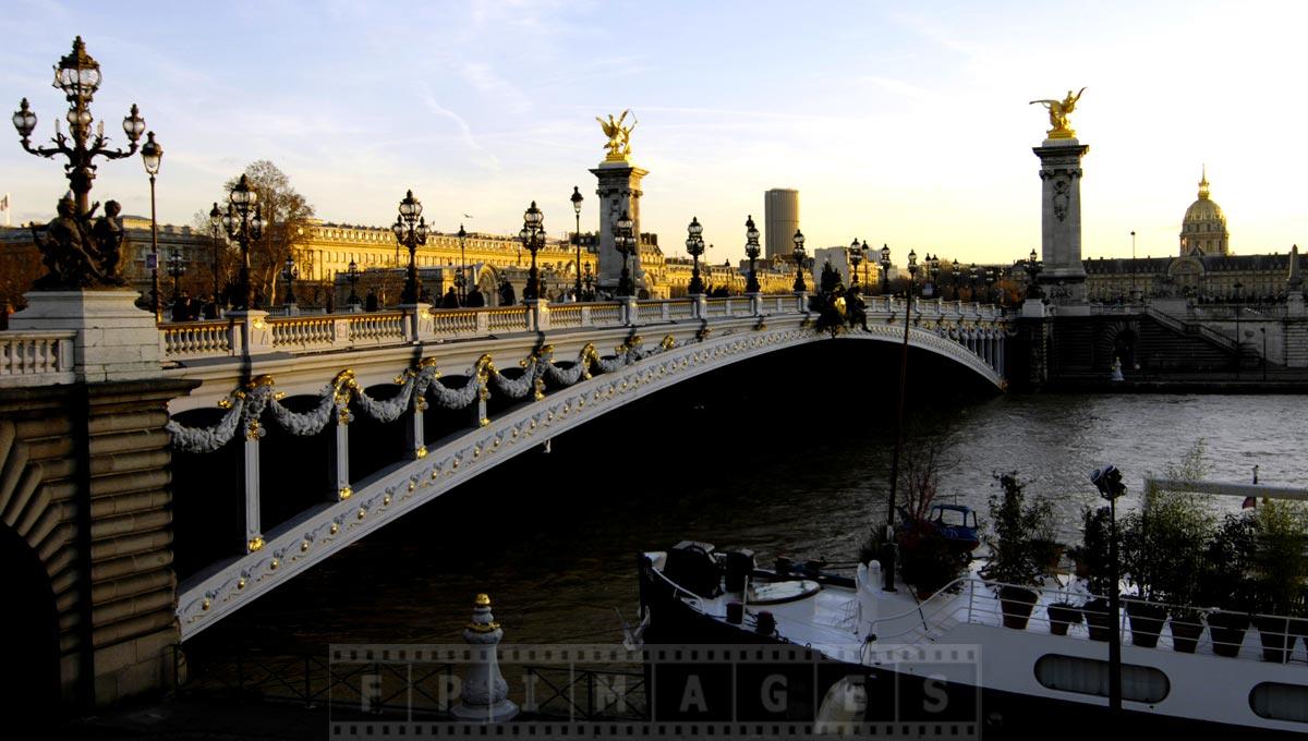 Eye-catching lovely Alexander III bridge