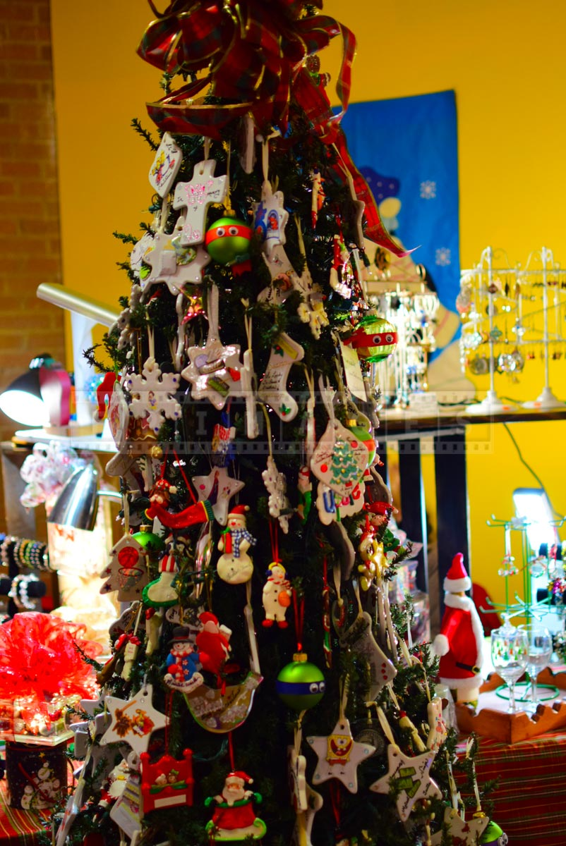 Xmas arts and crafts market - Christmas tree decorations for sale