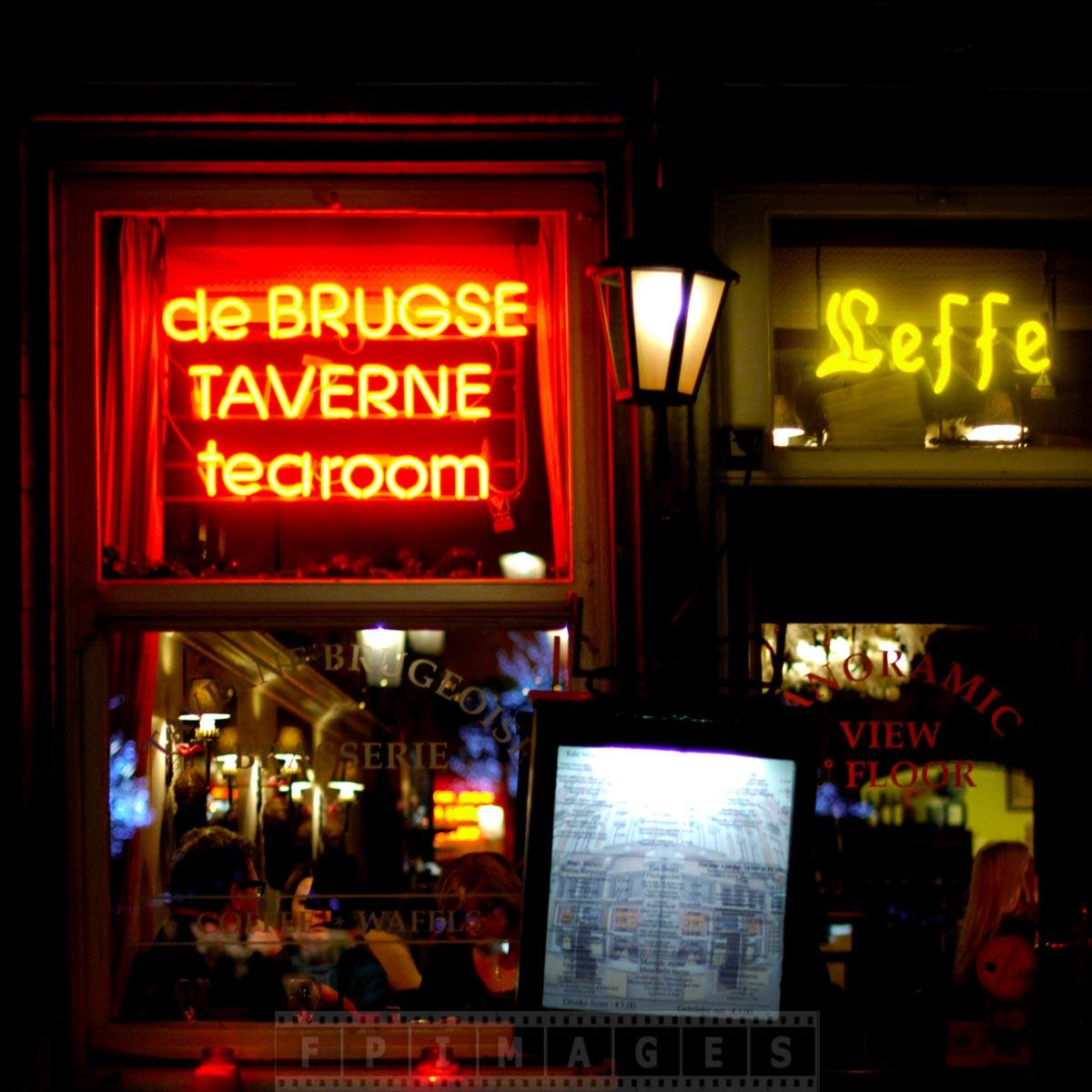 Bruges taverne in Market square