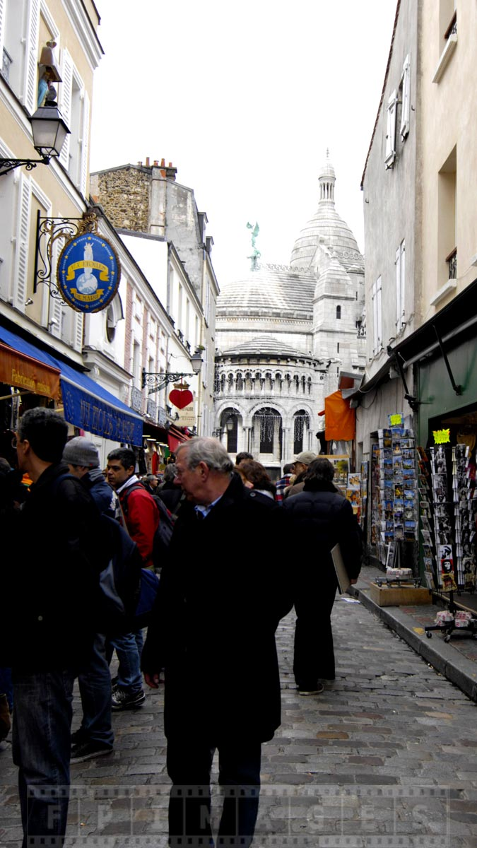Montmartre streets - romantic thing to do in paris