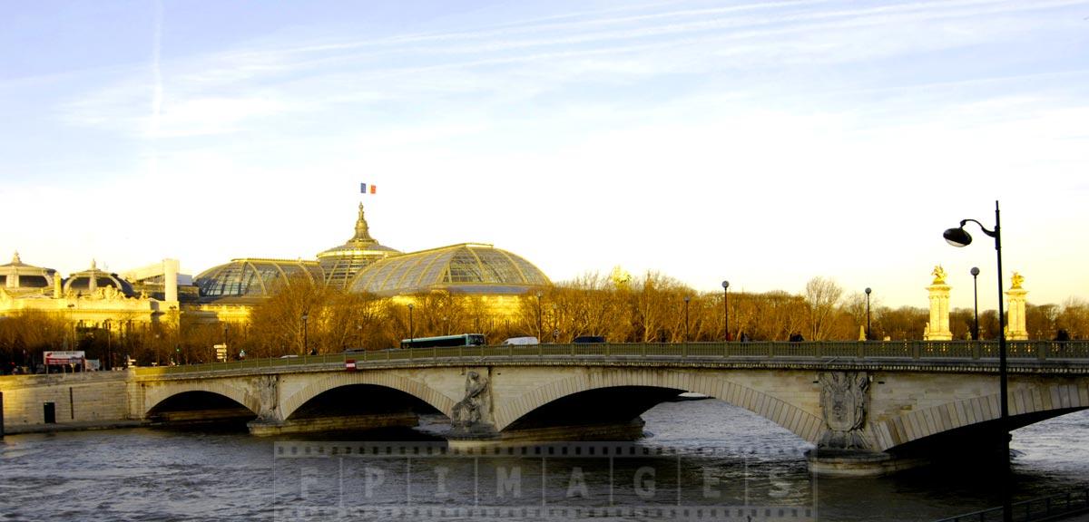 Pont des Invalides Bridge and Grand Palace