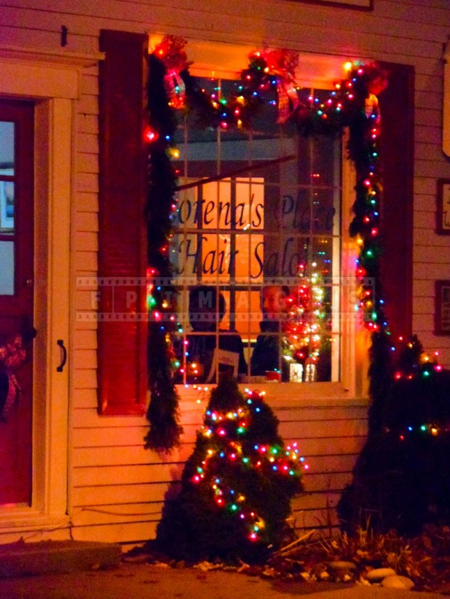 Saint andrews nb waterfront christmas decorations and for Salon xmas decorations