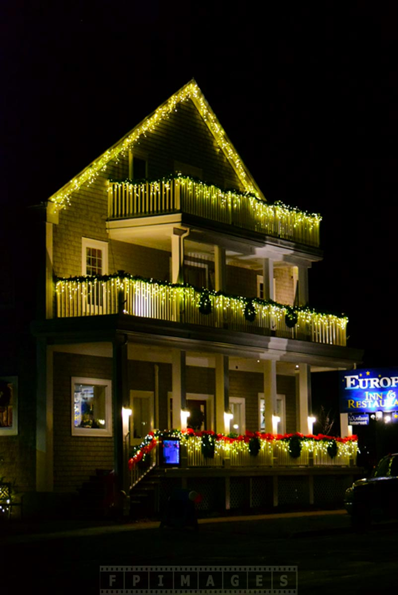 Saint Adnrews Europa Inn with Xmas lights, great road trip idea in Canada