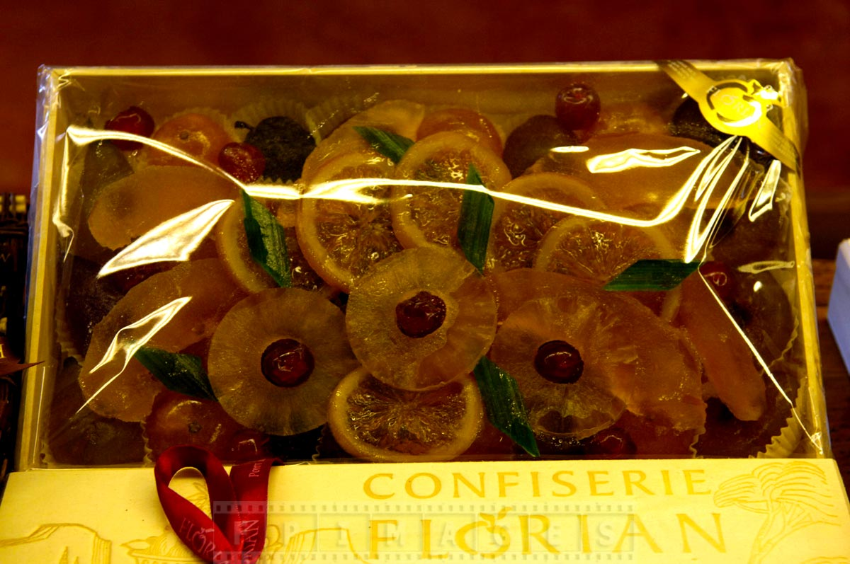 Candied fruit slices in a gift box